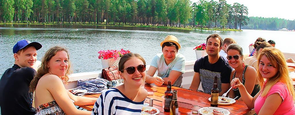Корпоративный отдых на базе в Астрахани подарит компания FishHunting